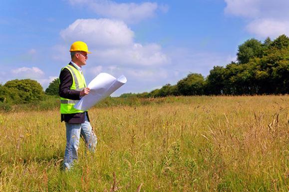 Maître d'oeuvre sur un terrain à construire